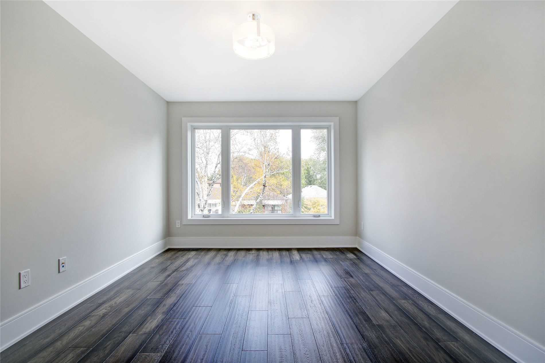 50 Vanbrugh Ave, Toronto E4637530
