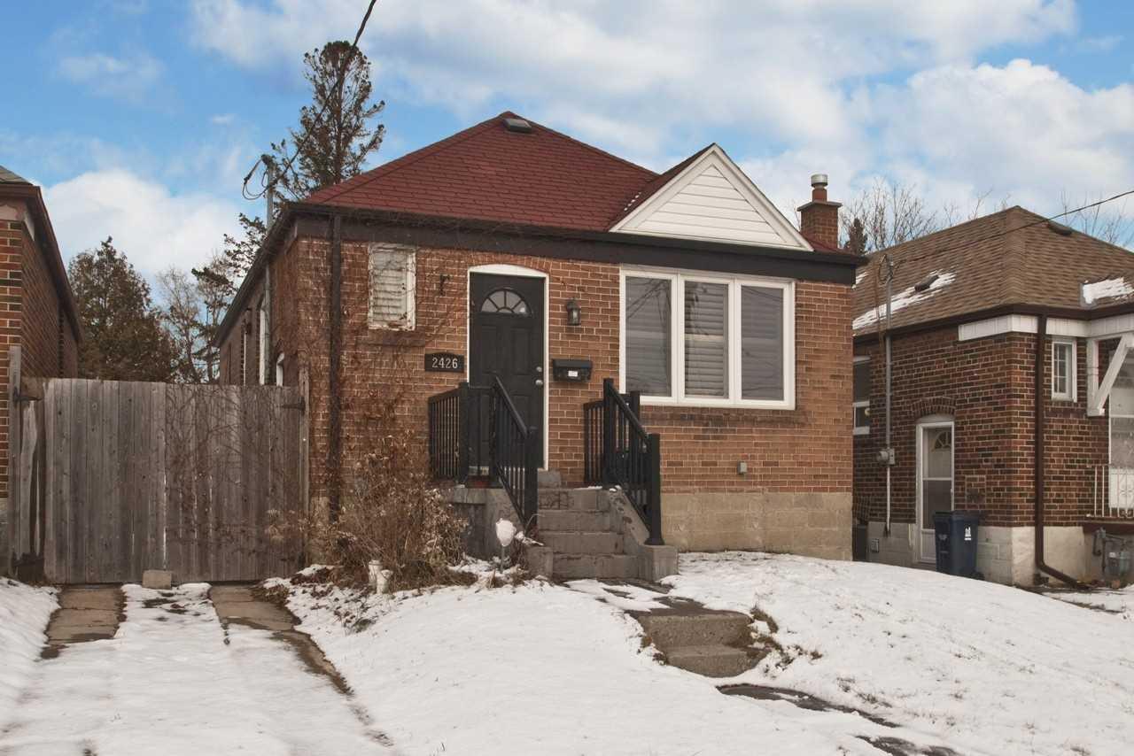 2426 Gerrard St E, Toronto E4645784
