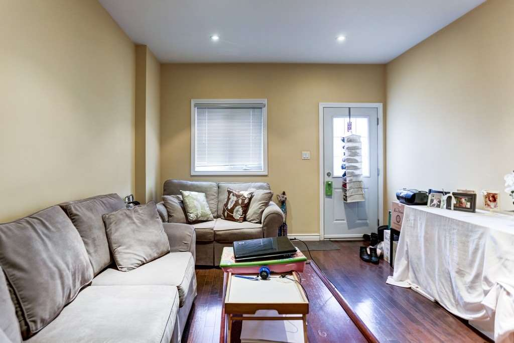 251B Chisholm Ave, Toronto E4646257