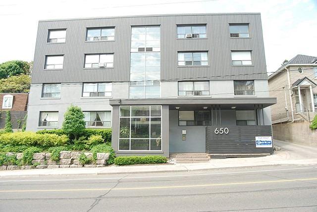 650 Woodbine Ave, Toronto E4650555