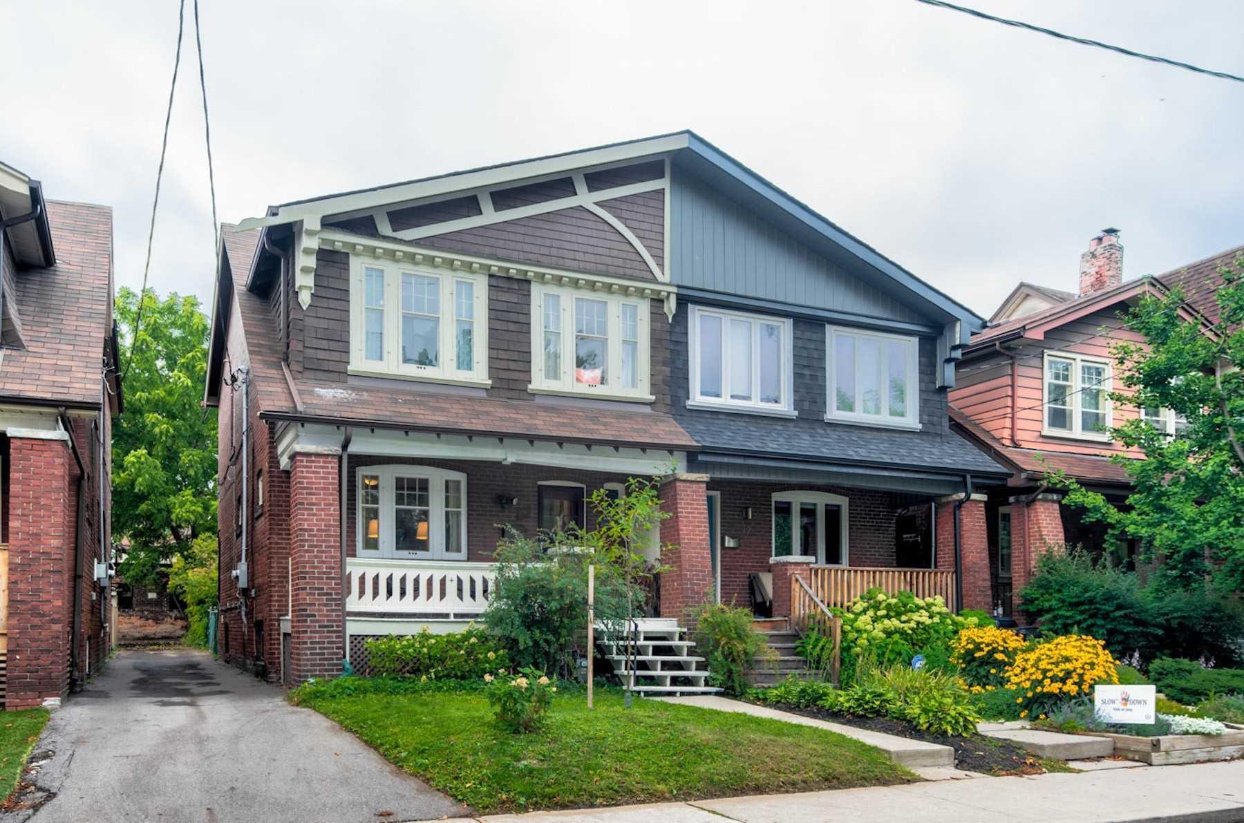10 Dearbourne Ave, Toronto E4652871