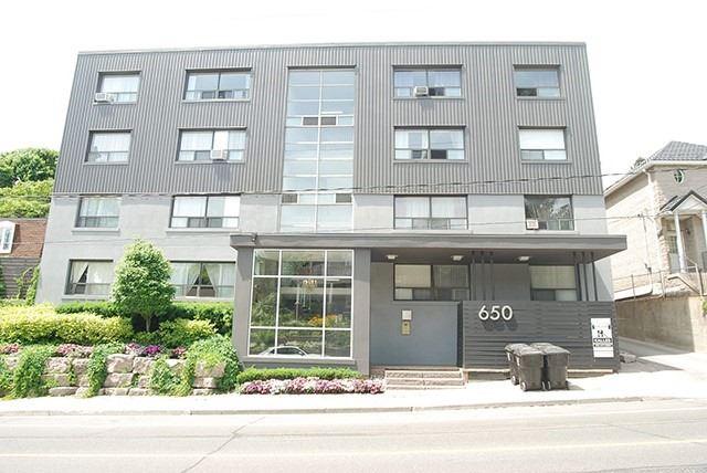 650 Woodbine Ave, Toronto E4679931