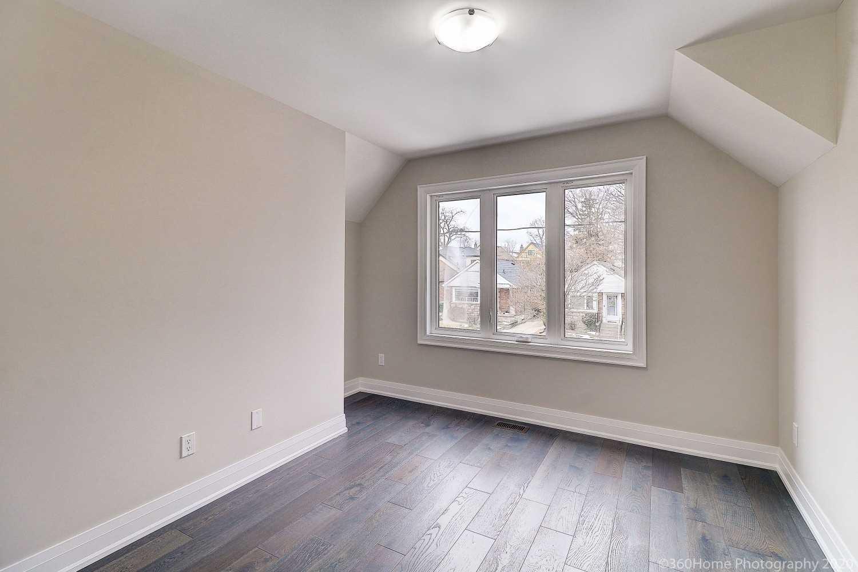 23 Roblin Ave, Toronto E4681322