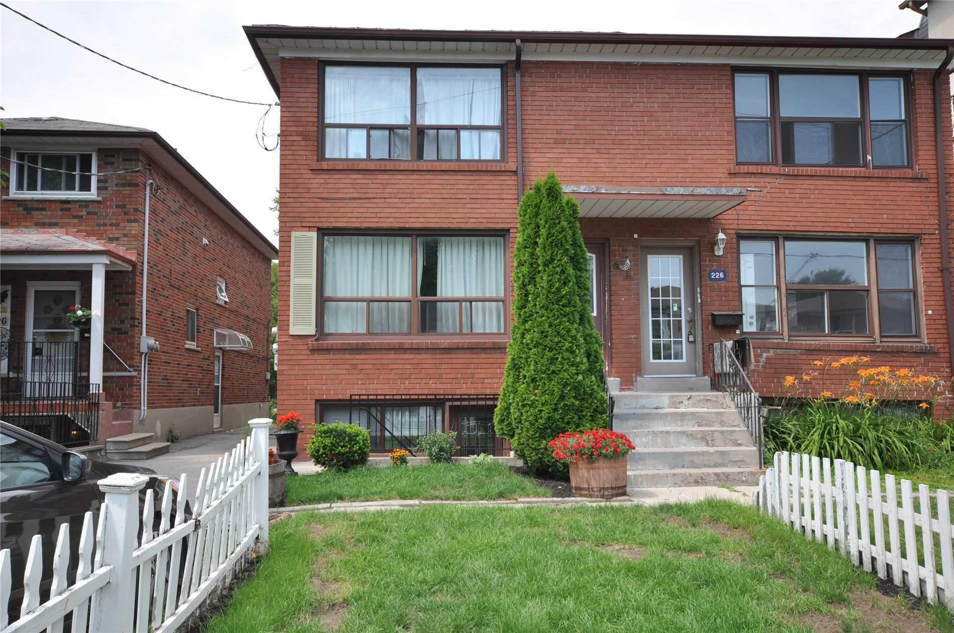 224 Pickering St, Toronto, M4E3J8