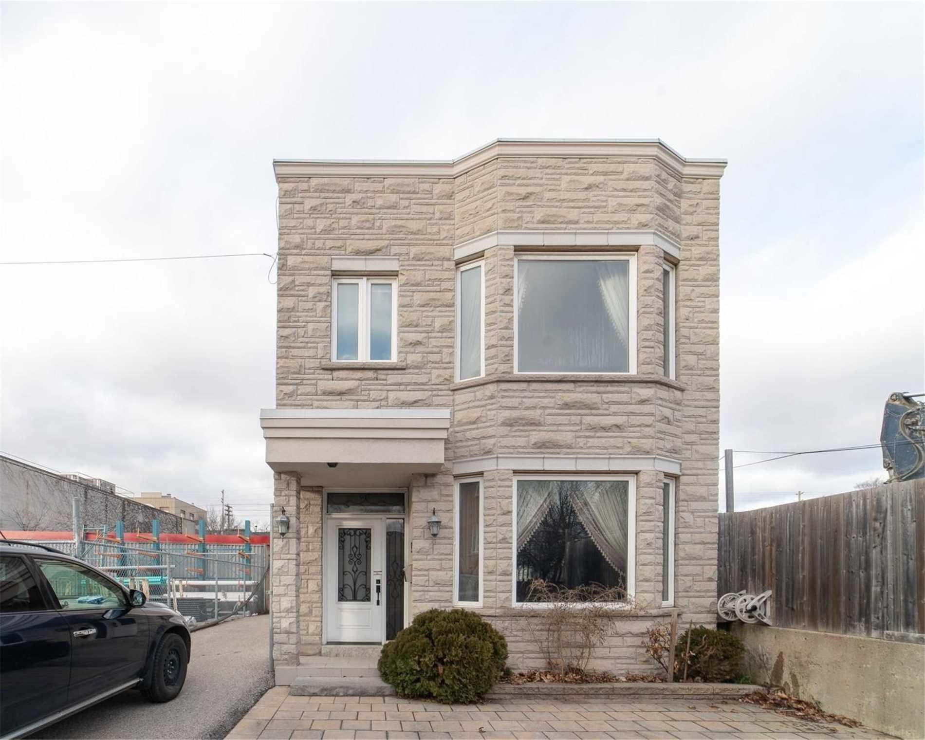 50 Memory Lane, Toronto, M4L 6S7
