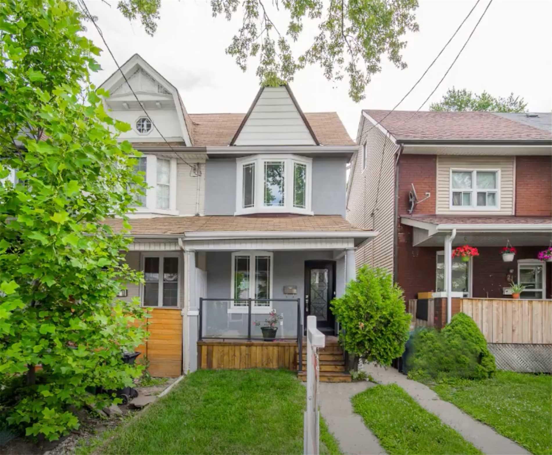 23 Connaught Ave, Toronto, M4L2V8