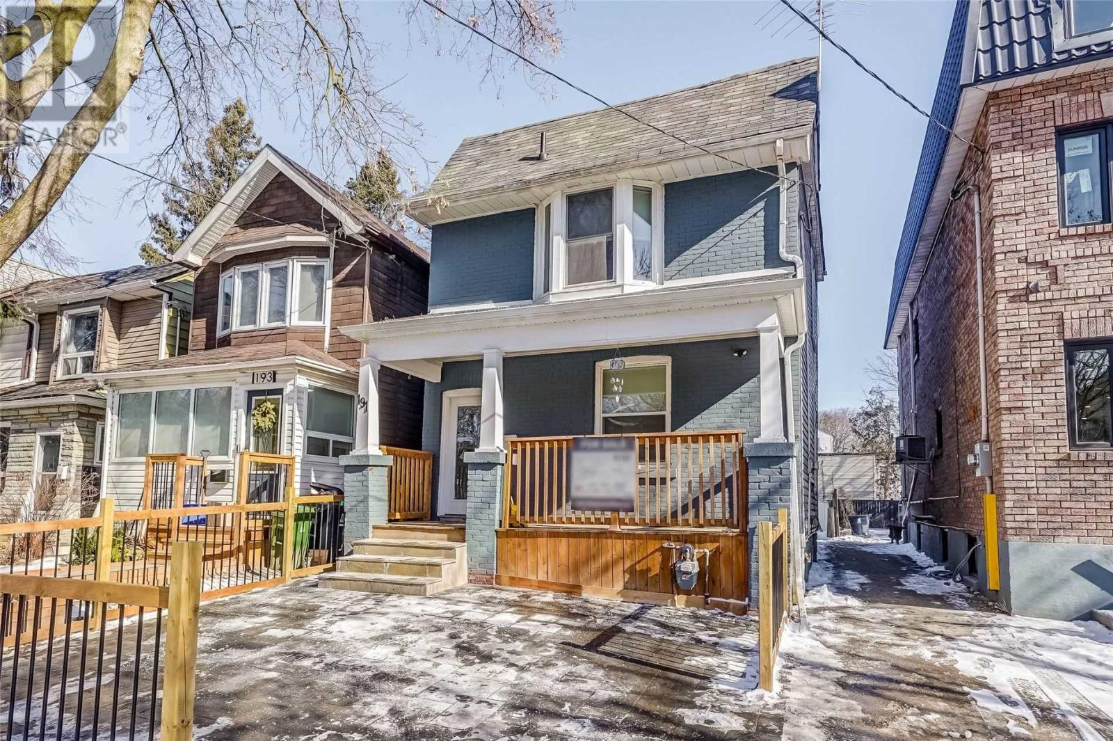 191 Rhodes Ave, Toronto, M4L3A2