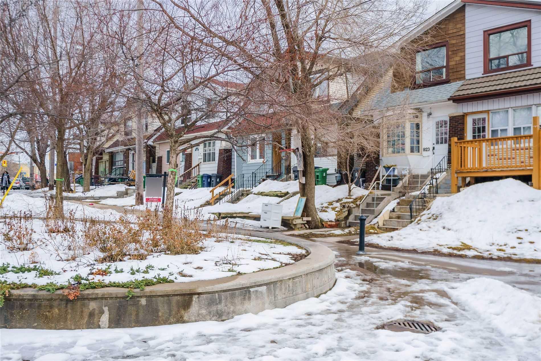 927 Gerrard St E, Toronto, M4M1Z1