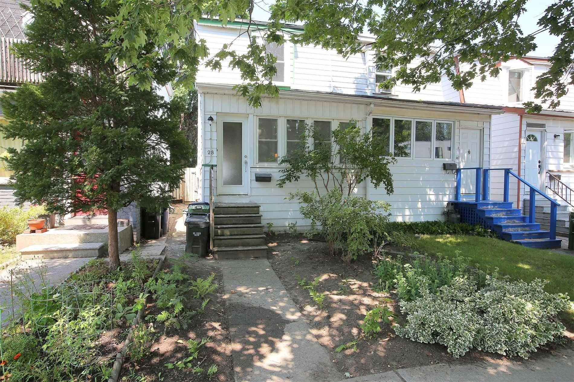 28 Aldwych Ave, Toronto, M4J 1X2
