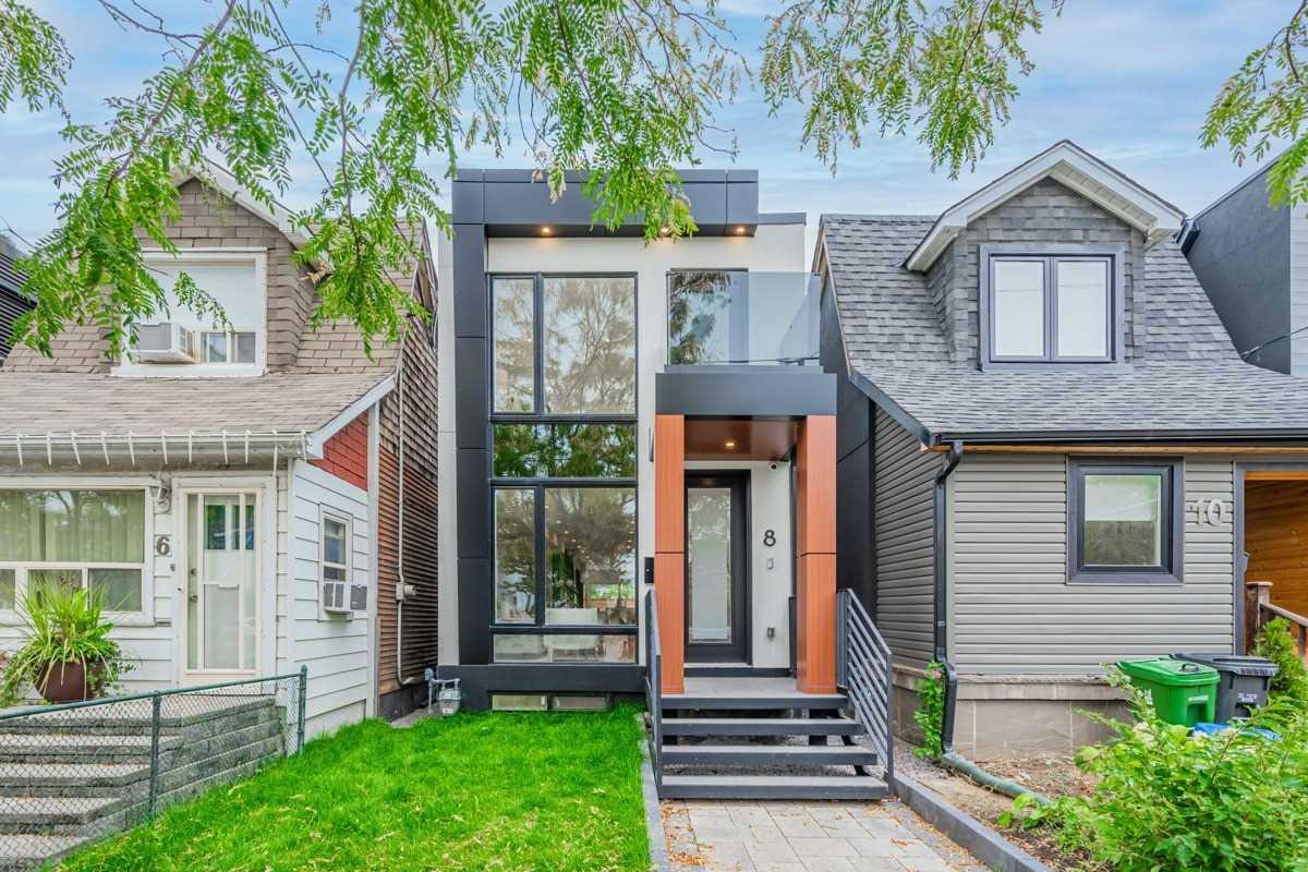 8 Aldwych Ave, Toronto, M4J1X2