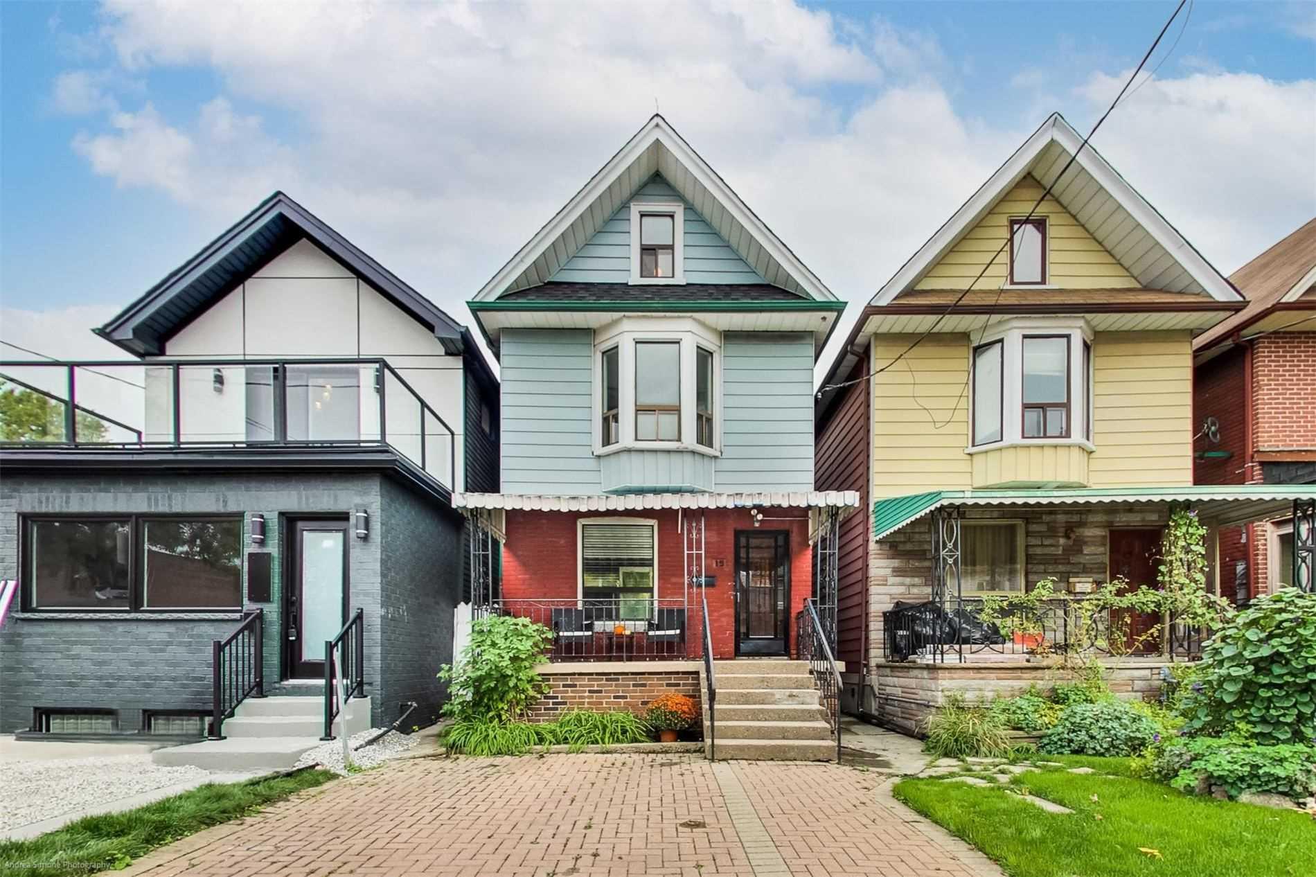 15 Ferrier Ave, Toronto, M4K3H5