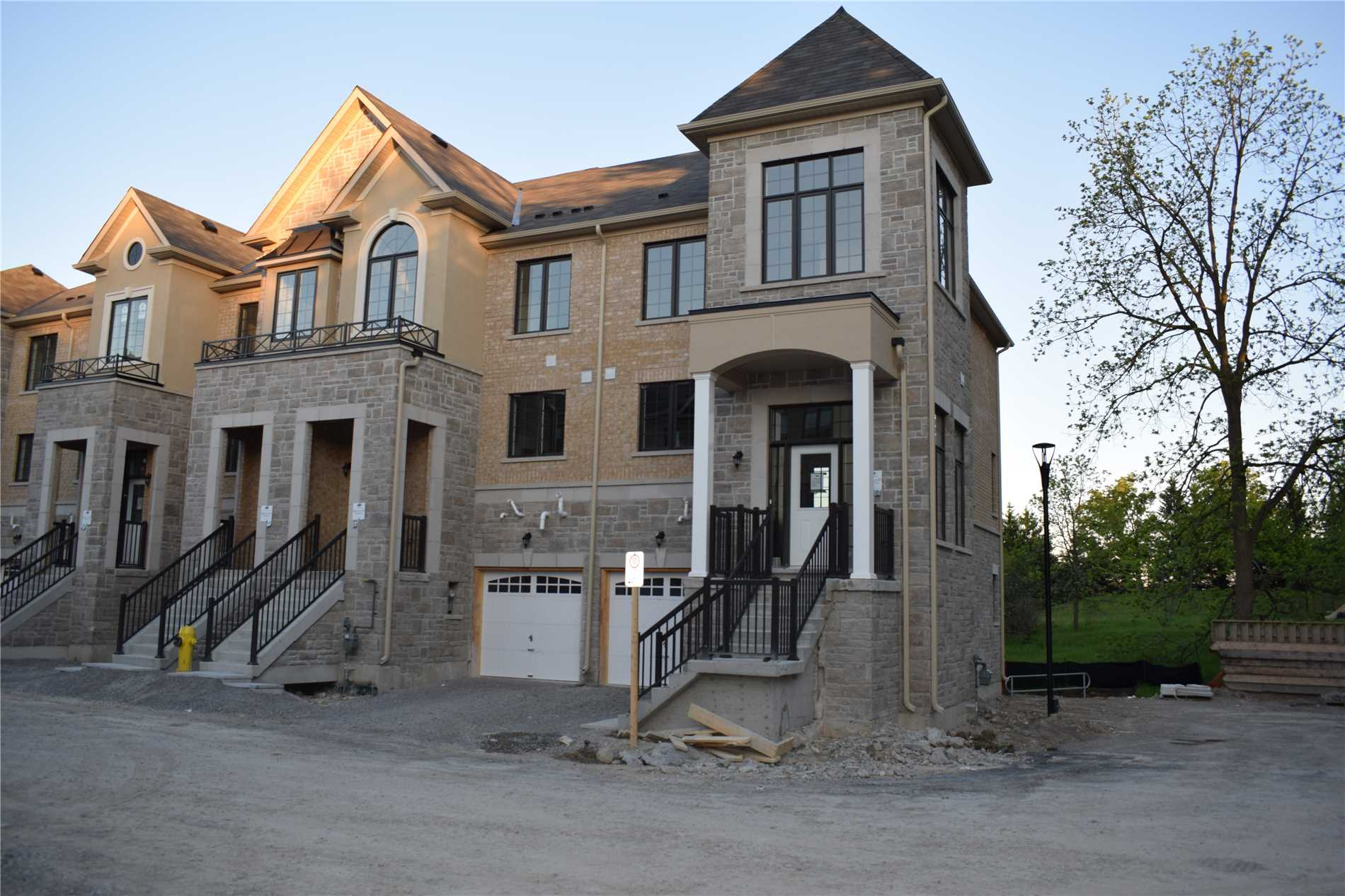 305 Bloomington Rd, Richmond Hill N4430135