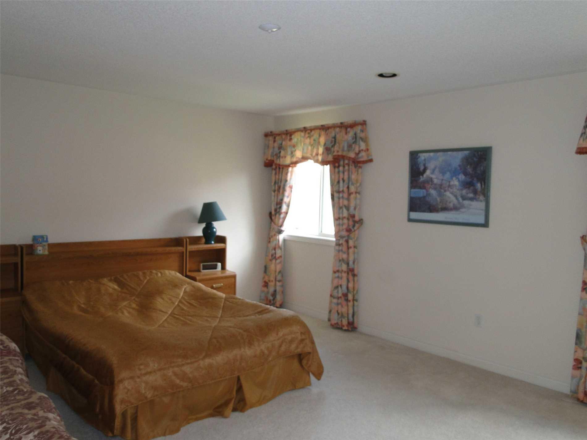 153 Madison Heights Blvd, Markham N4463946