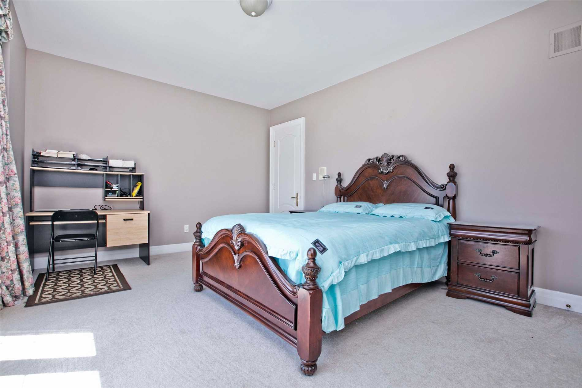 22 Frybrook Cres, Richmond Hill N4479355