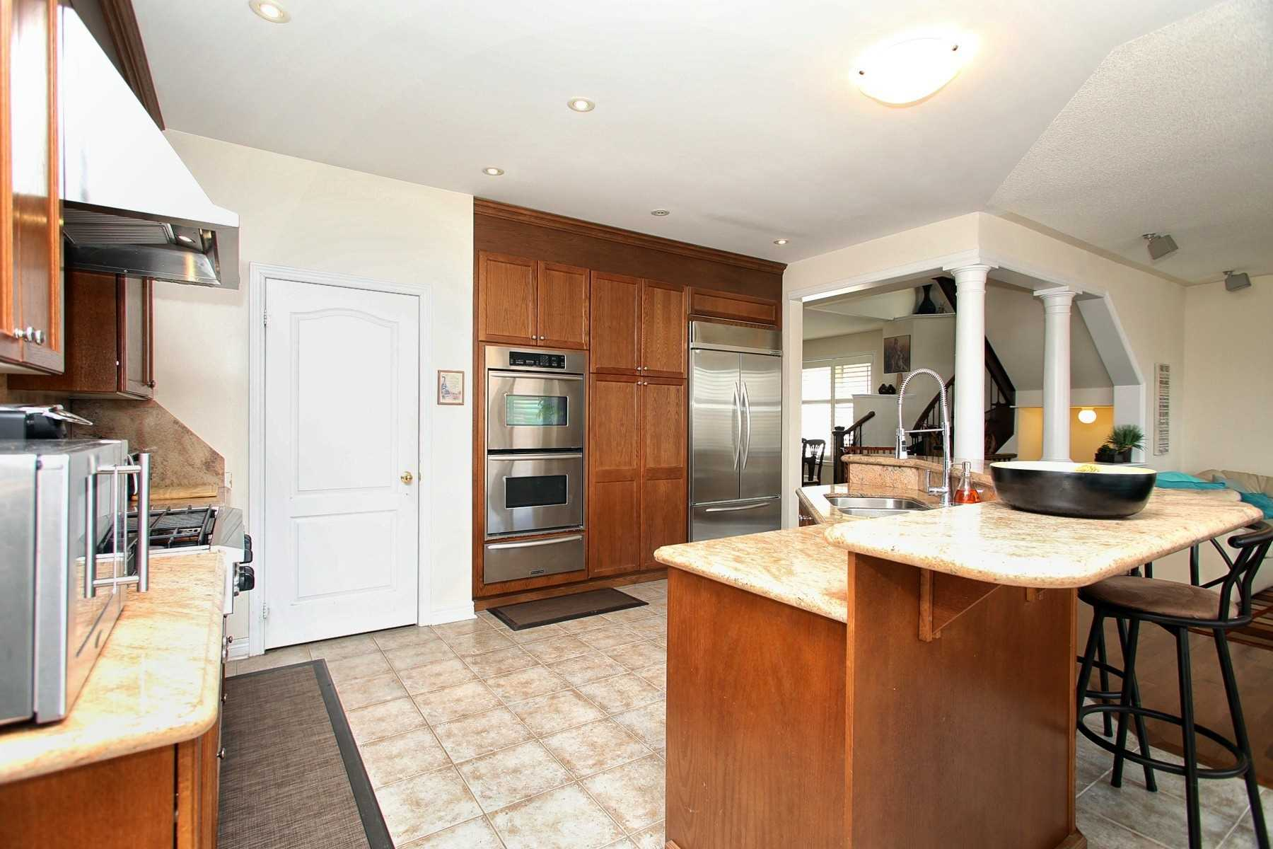 6 Sunnyridge Ave, Whitchurch-Stouffville N4500447