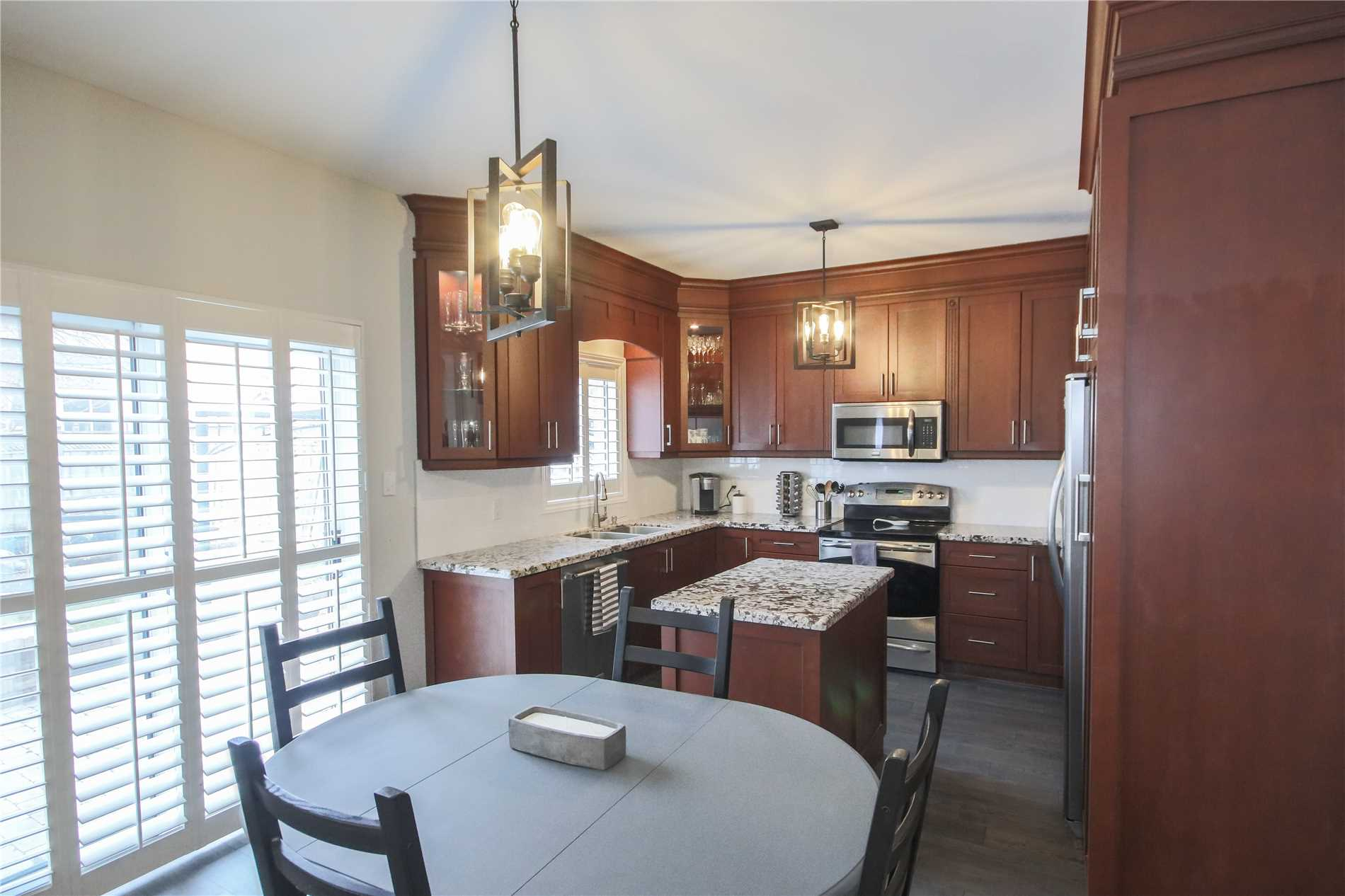 249 Hoover Park Dr, Whitchurch-Stouffville N4503276