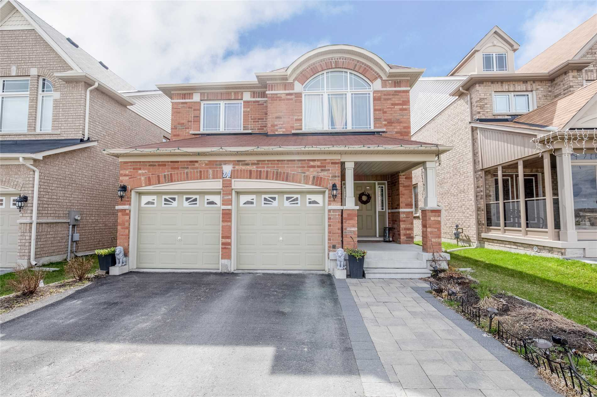 24 Old Field Cres, Newmarket N4504011