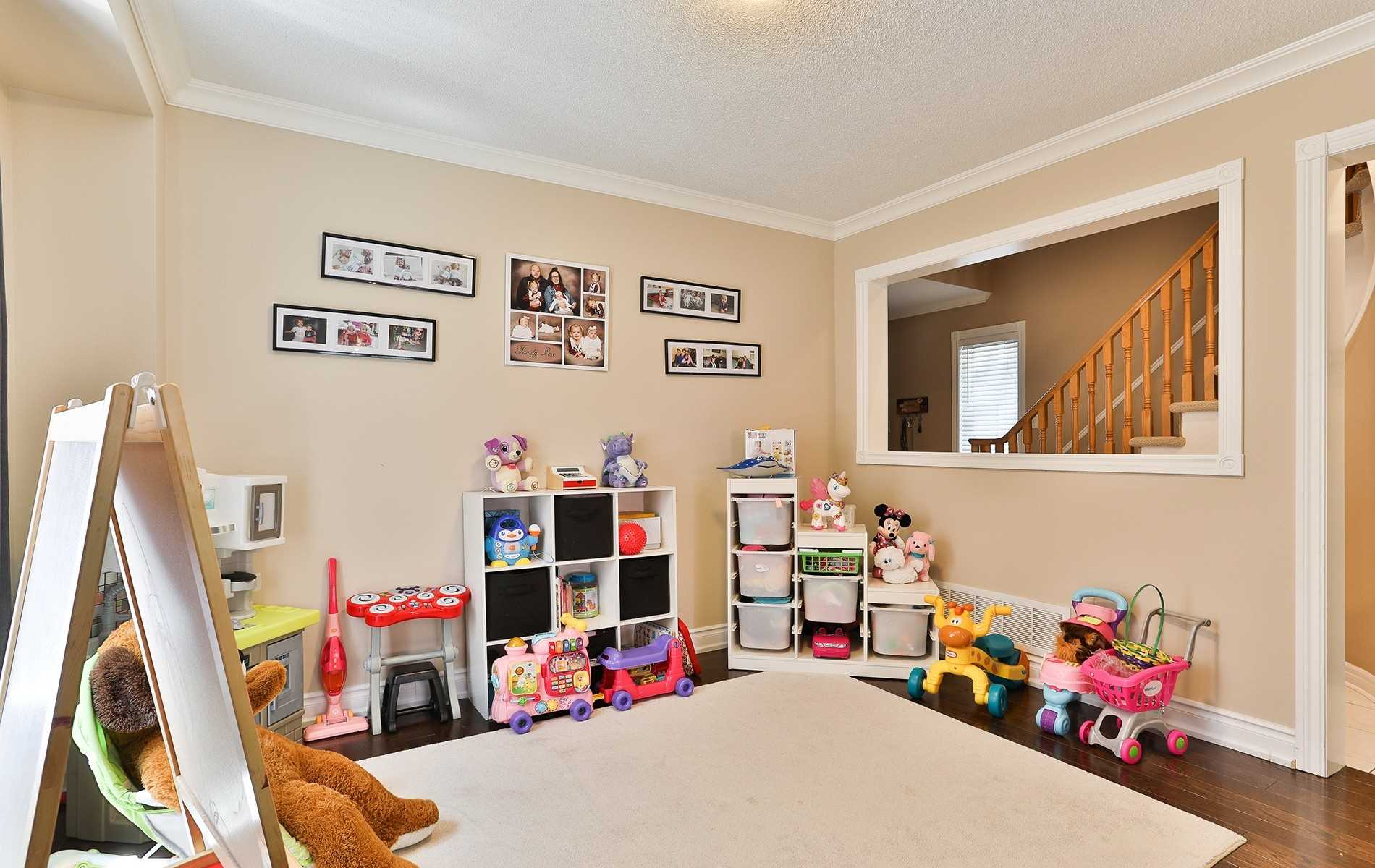 33 Woodhaven Cres, Richmond Hill N4514809