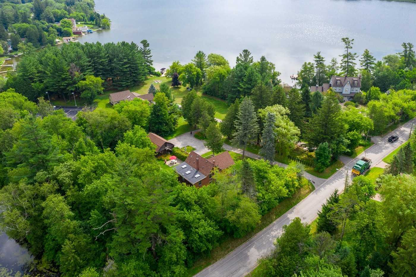 5648 Lakeshore Rd, Whitchurch-Stouffville N4519719