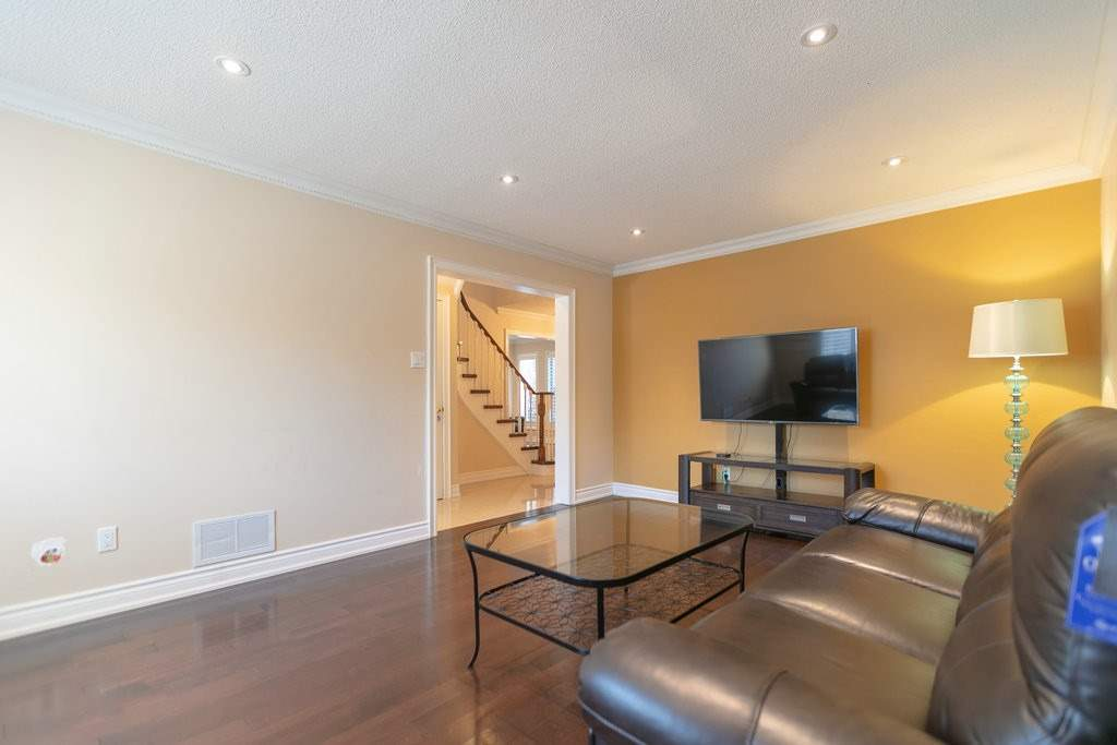 139 Bernard Ave, Richmond Hill N4534081
