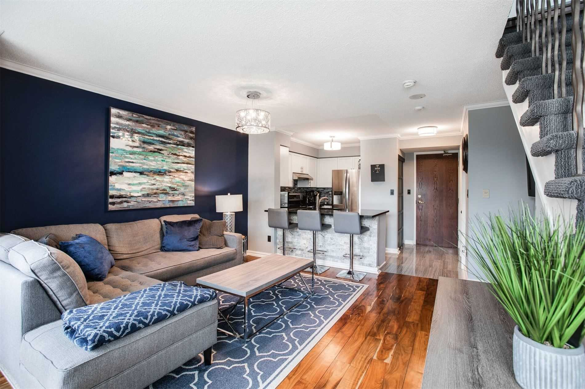 #302 - 39 Oneida Cres, Richmond Hill N4545005