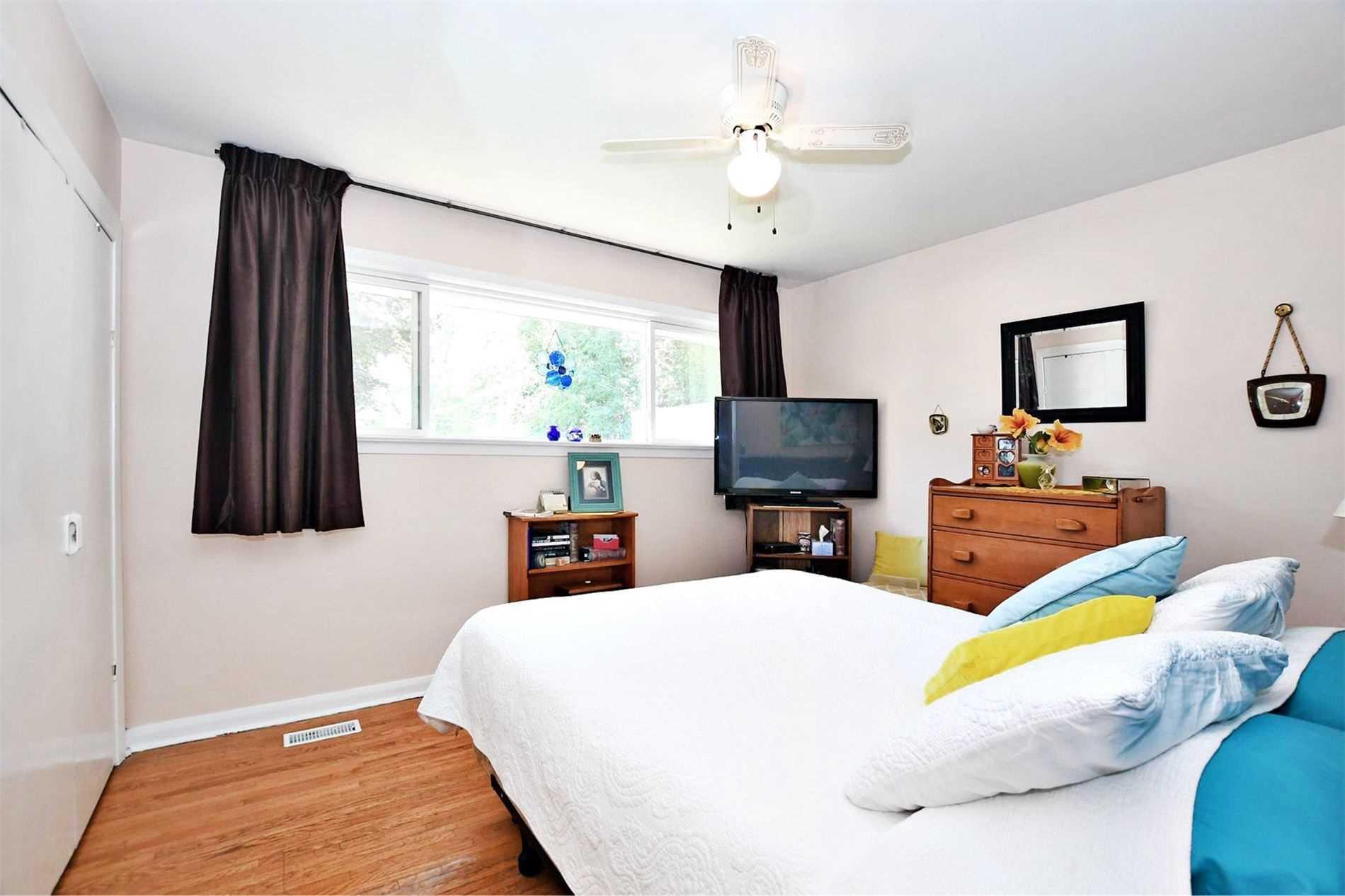 997 Srigley St, Newmarket N4548249
