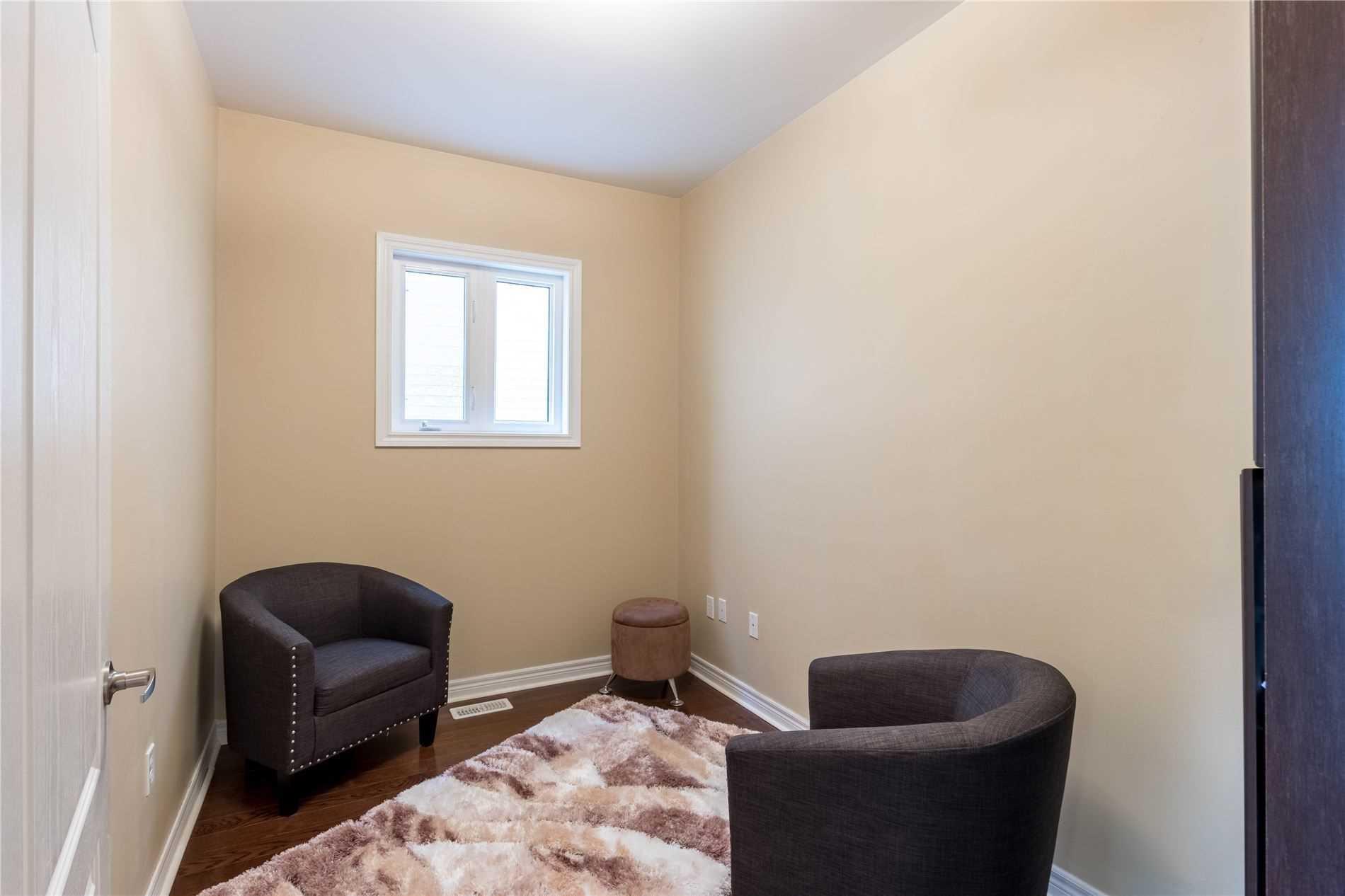 205 Woodspring Ave, Newmarket N4553249