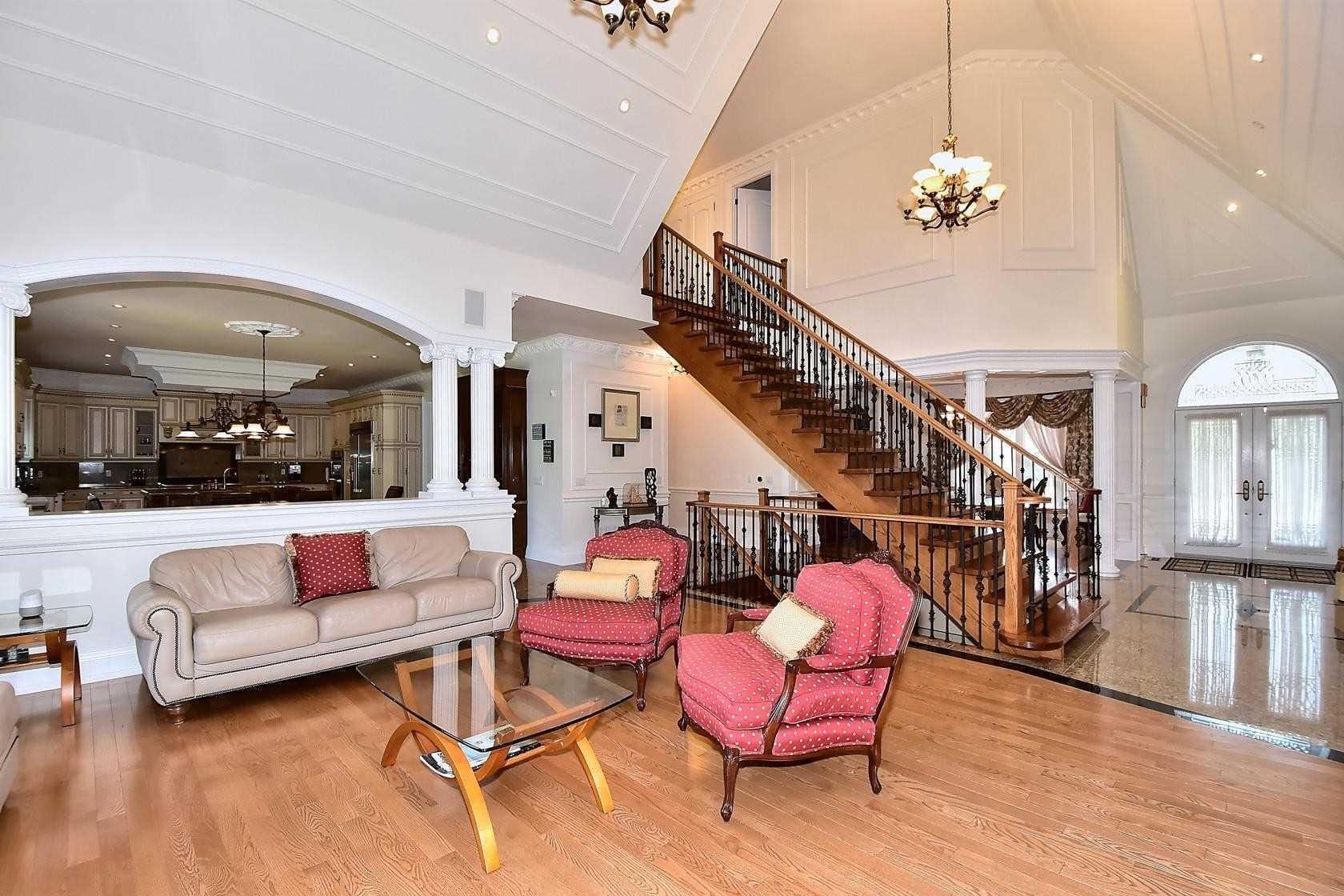15 Sherman Oaks Crt, Aurora N4553441
