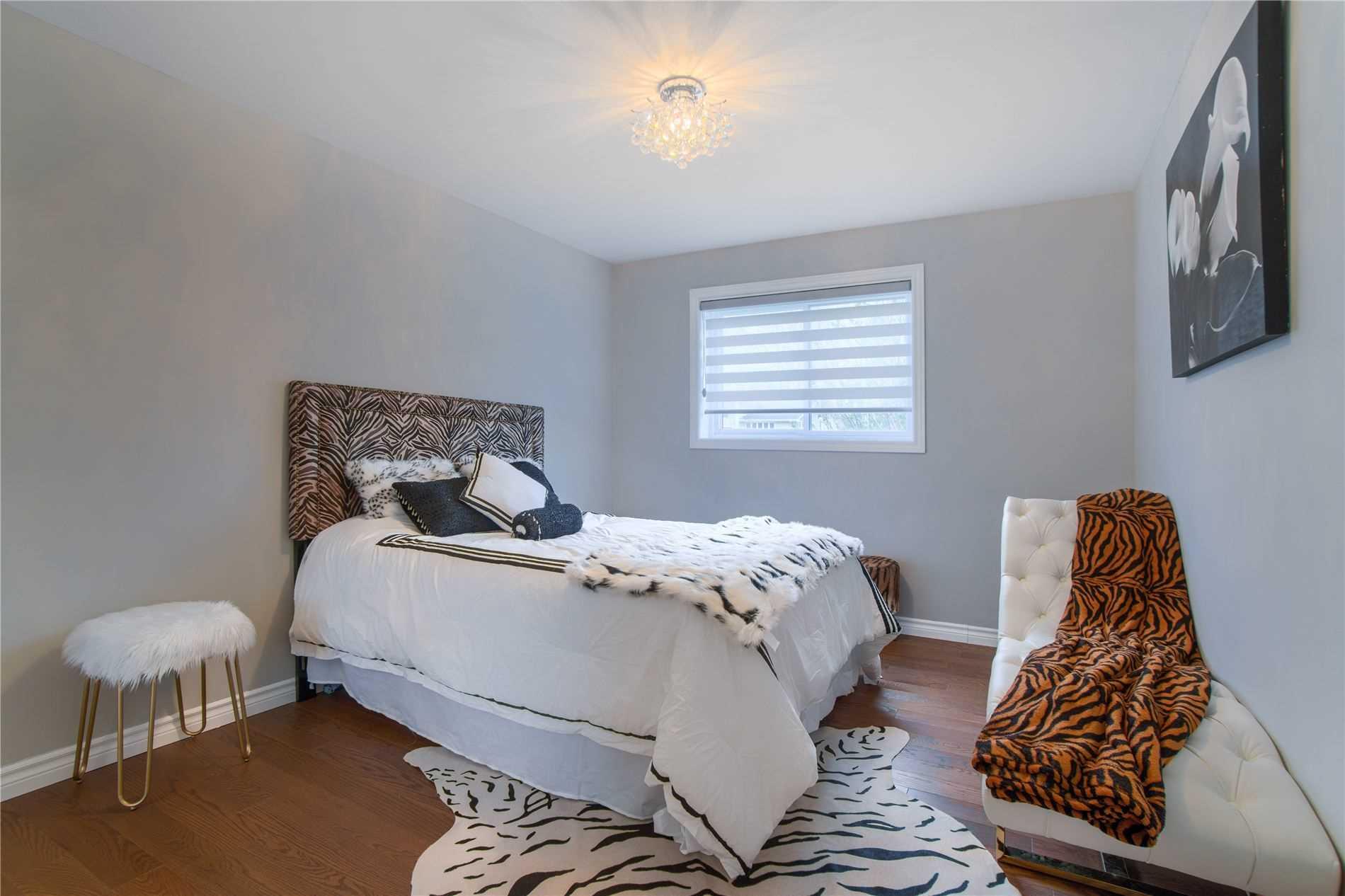 18 Sharon Blvd, East Gwillimbury N4562342