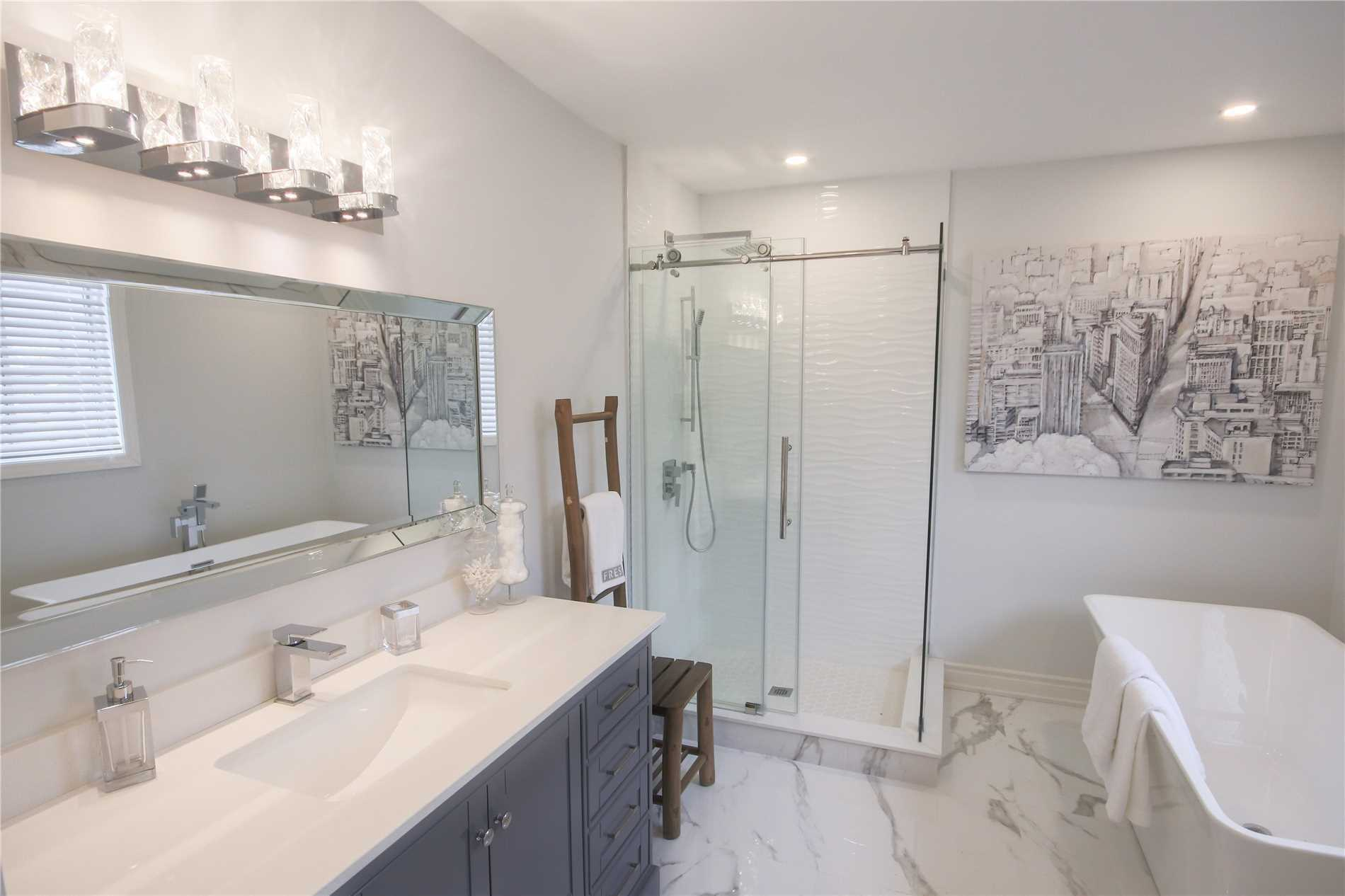 249 Hoover Park Dr, Whitchurch-Stouffville N4564990