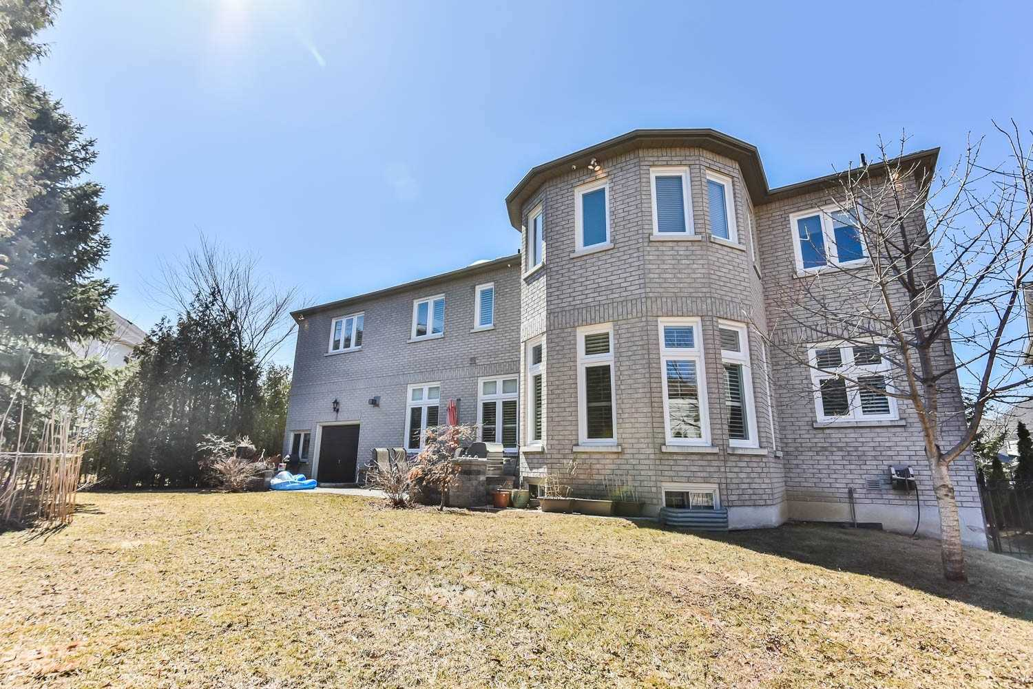 6 Montressor Crt, Richmond Hill N4566525