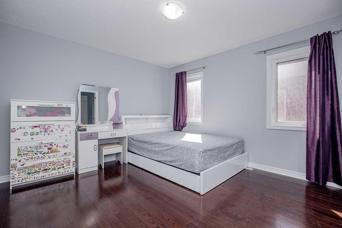 135 Alexander Lawrie Ave, Markham N4599758