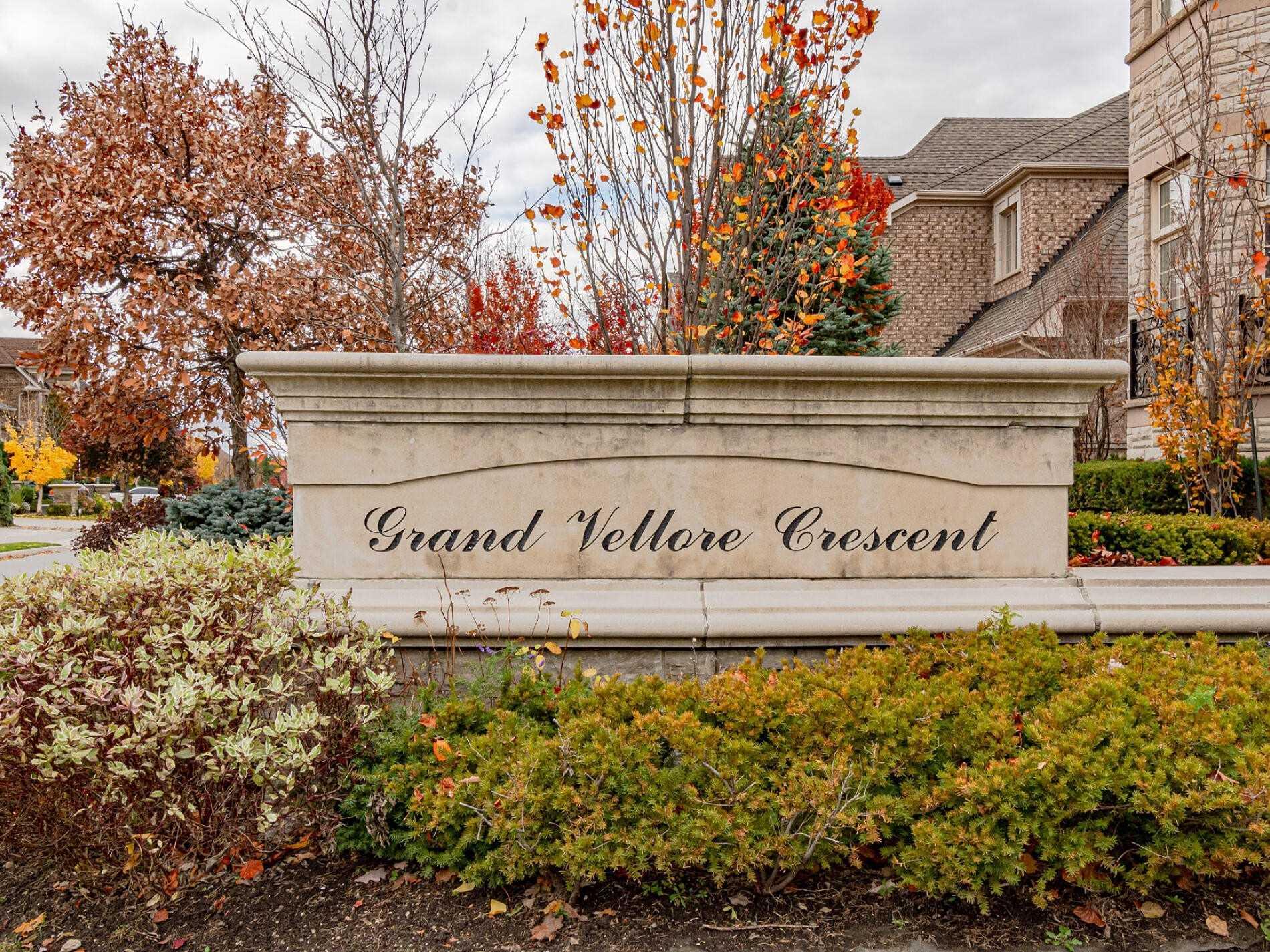 84 Grand Vellore Cres, Vaughan N4629802