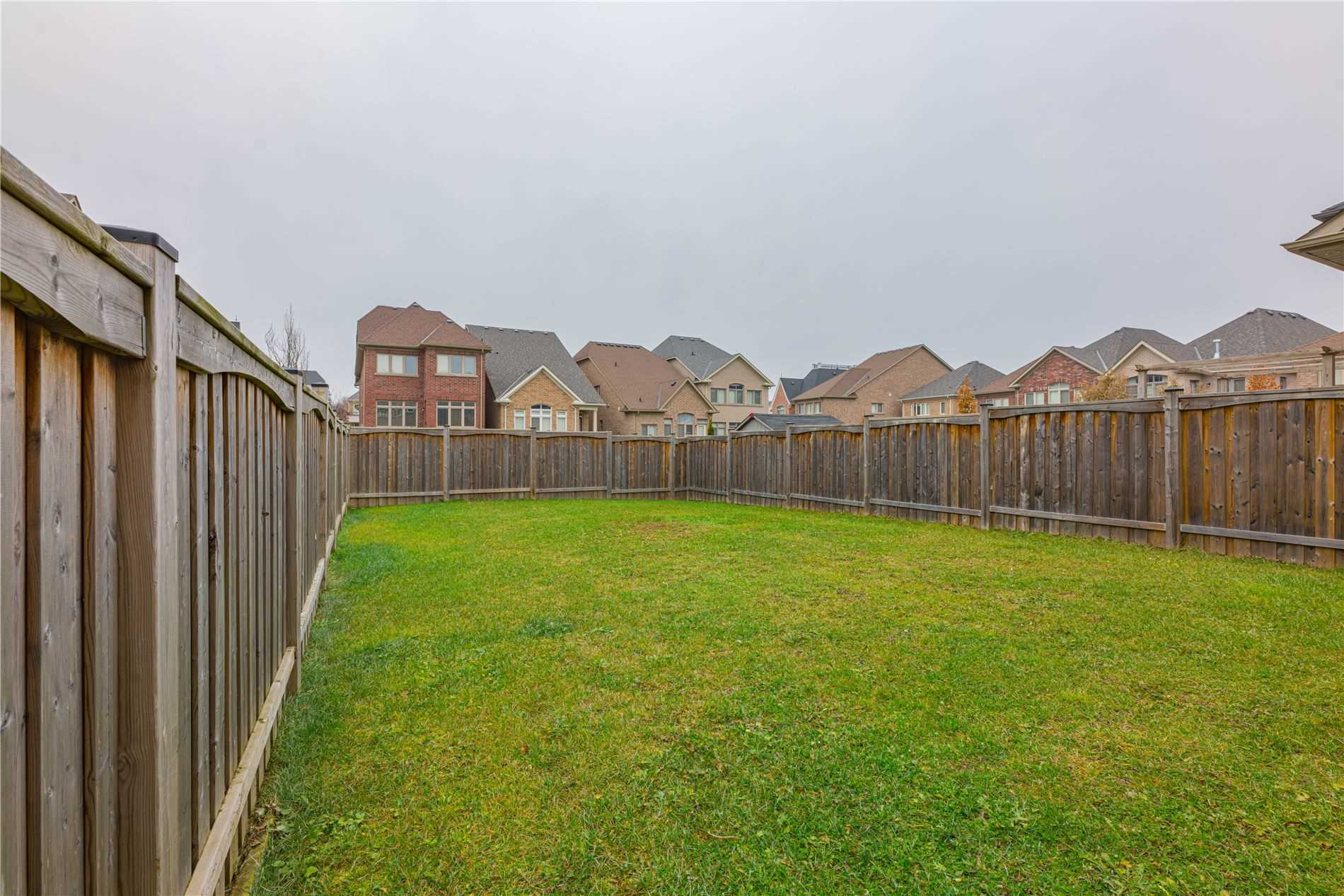 127 Alex Campbell Cres, King N4642926