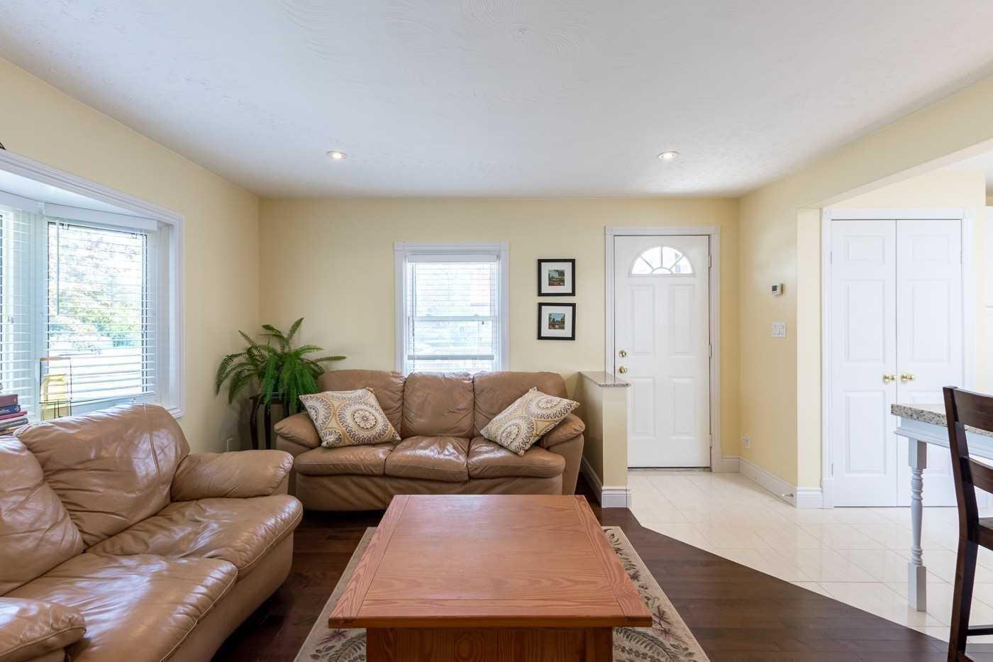 31532 Lakeridge Rd, Georgina N4643773