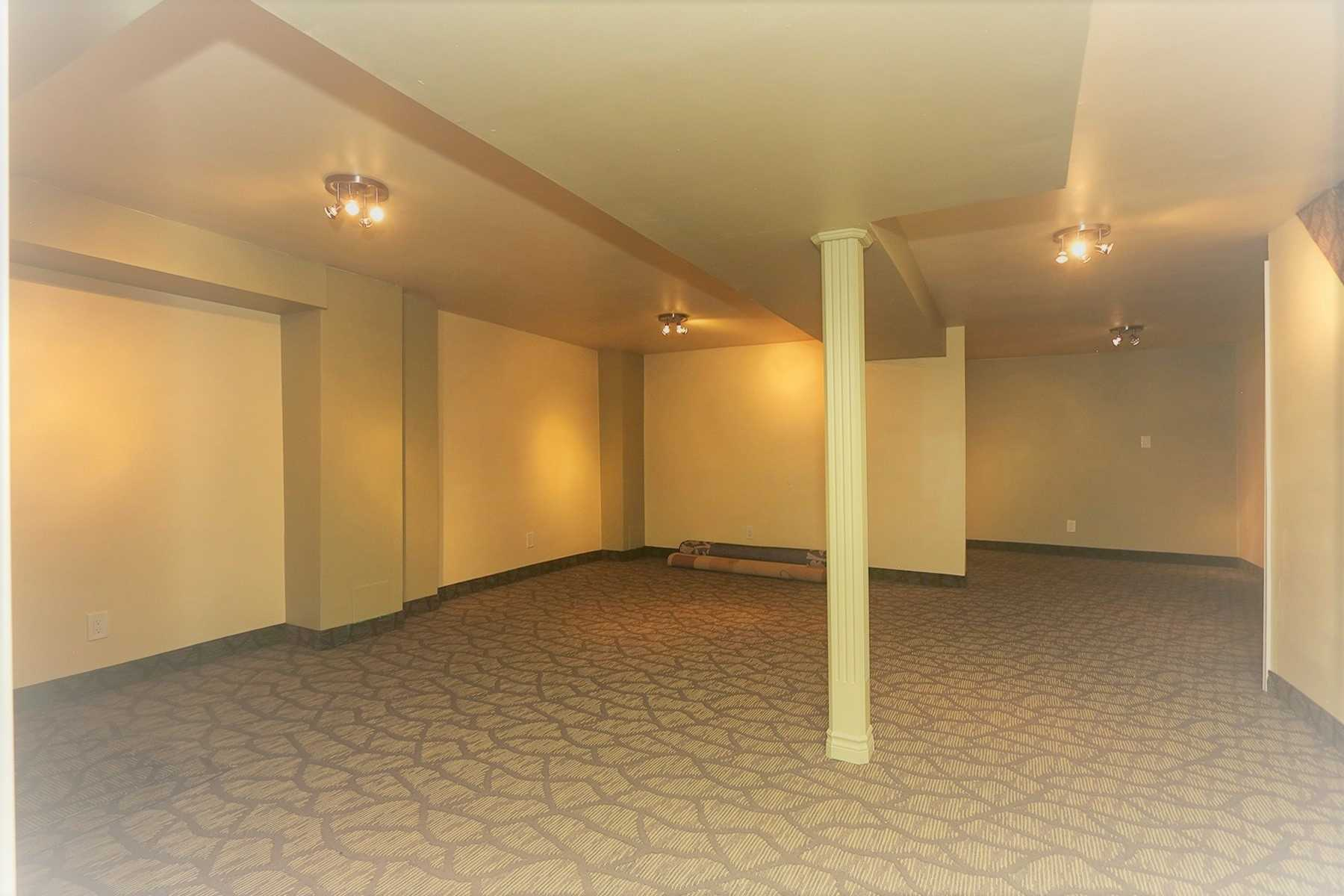 200 Borealis Ave, Aurora N4656319