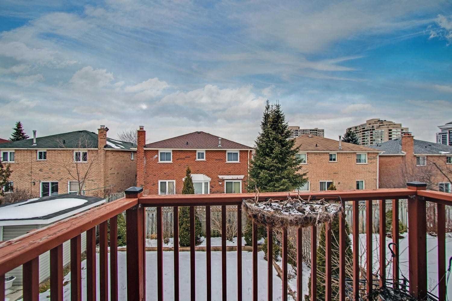 21 Guildwood Dr, Richmond Hill N4688701