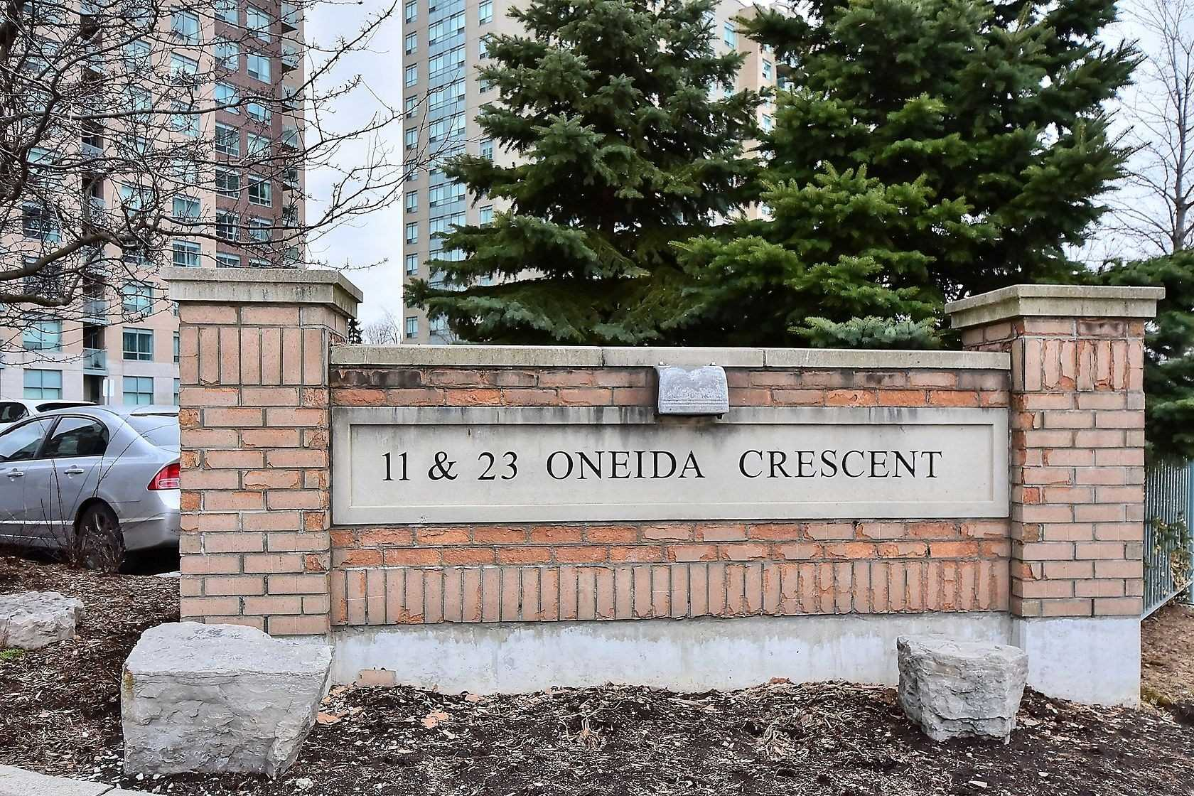 902-23-oneida-cres