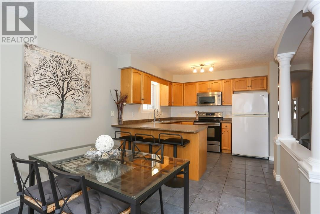 684 COLUMBIA FOREST BV  , Waterloo 30615097
