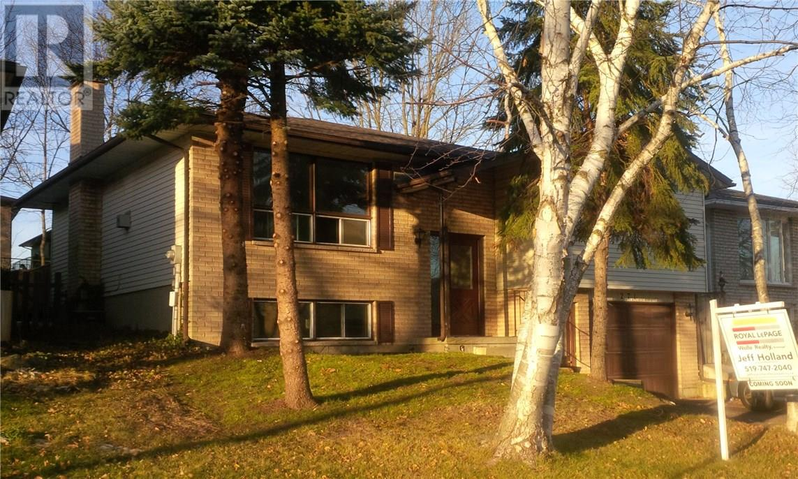 271 The Country WY  , Kitchener 30616239