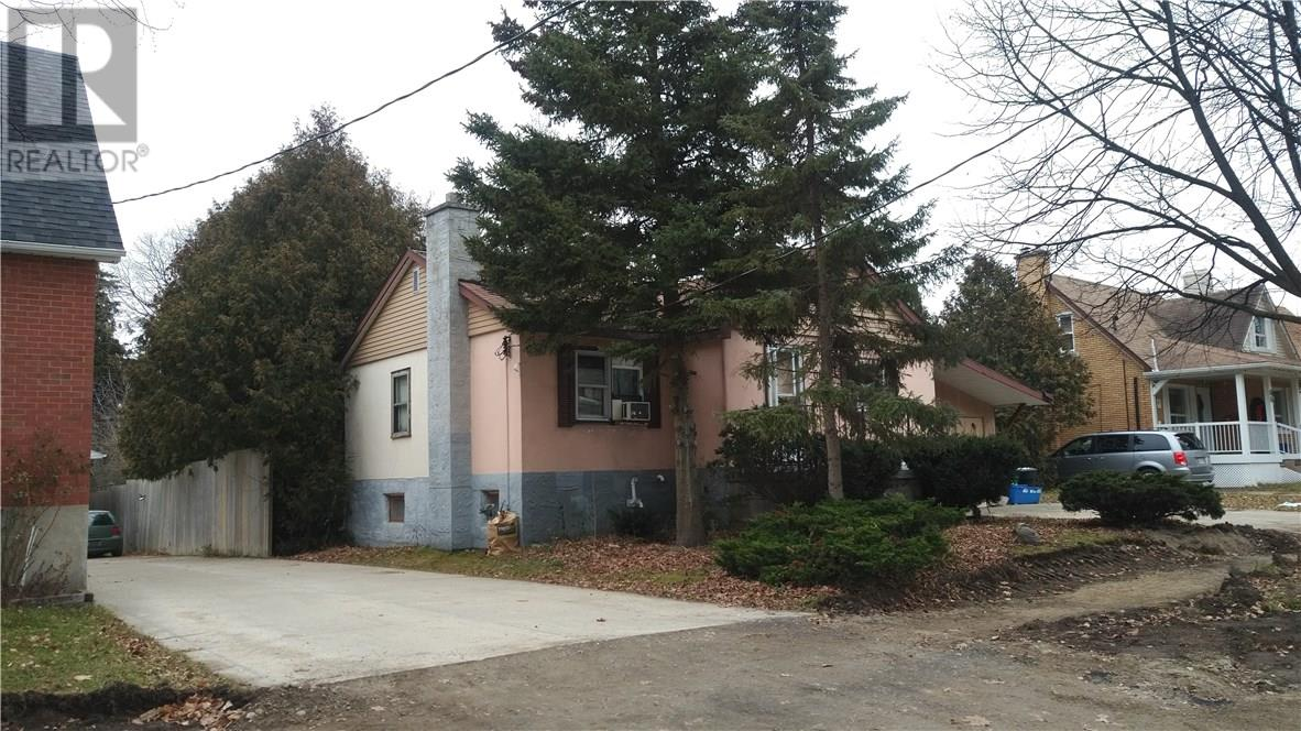 60 Kehl ST  , Kitchener 30616914