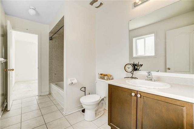 83 CROWTHER Drive, Newmarket 30709792