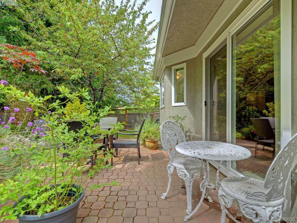 #14 - 3969 Cedar Hill Cross  Rd , Saanich East 396950