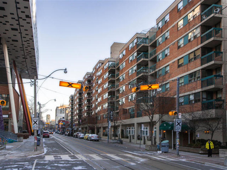 #607 - 105 Mccaul St, Toronto C3457994