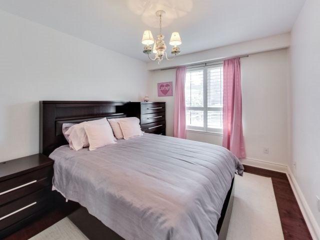 31 Overbrook Pl, Toronto C3567264