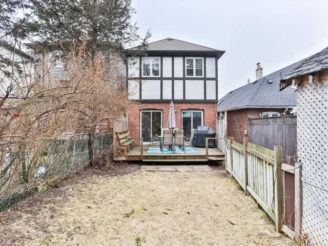 339 Castlefield Ave, Toronto C3750242