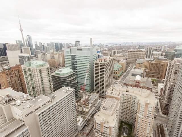 #4013 - 386 Yonge St, Toronto C3764619