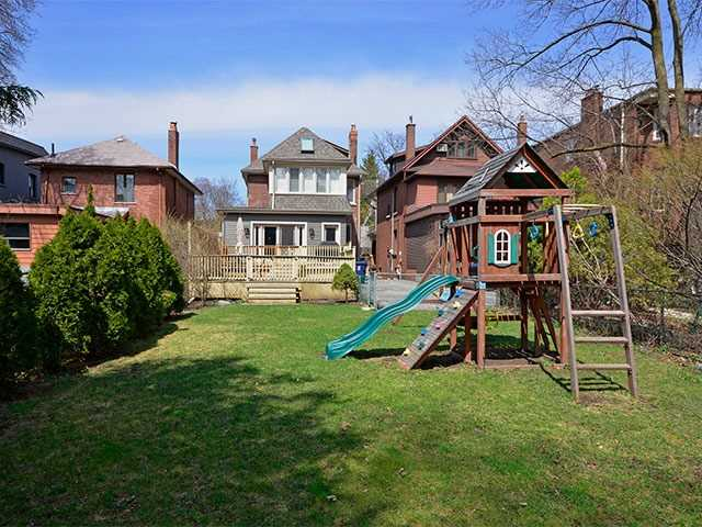 37 Sherwood Ave, Toronto C3764688