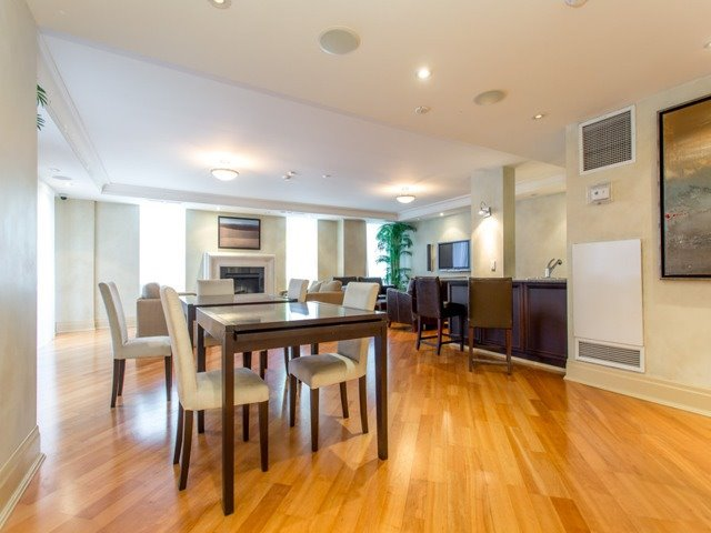 #301 - 481 Rosewell Ave, Toronto C3804063