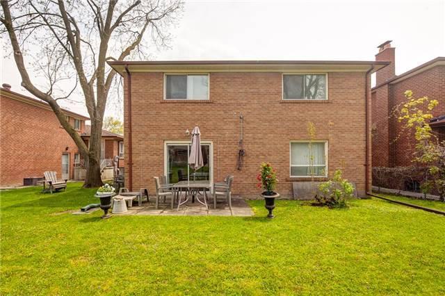 90 Charlton Blvd, Toronto C3807495